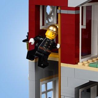 LEGO® Creator Expert 10263 - Winterliche Feuerwache